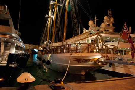 yates de lujo velero