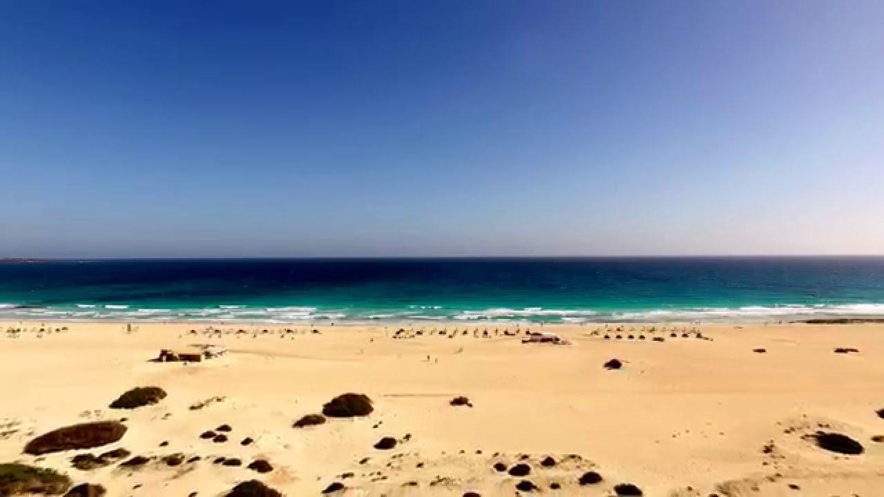 Corralejo: La esencia de Fuerteventura con tu coche de alquiler