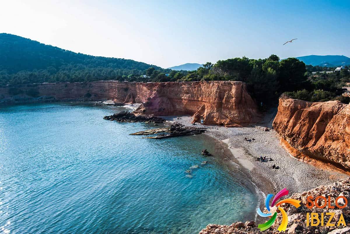 los 10 mejores lugares de Ibiza para visitar sa Caleta